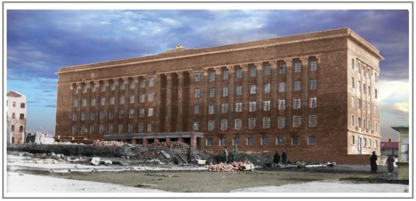 1947 год. Здание Дома Советов почти готово. На переднем плане груды мусора от снесенных старых построек