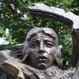 Памятник Герою Советского Союза лётчице Екатерине Ивановна Зеленко