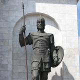 Памятник защитнику (с копьём)
