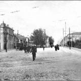Красная площадь, вид от Знаменского монастыря. Поворот трамвайных путей на Херсонскую улицу. Справа по плану - Городской сад, пр