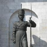 Памятник защитнику (с винтовкой)