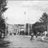 Херсонская улица, к Красной площади. Работы на трамвайных путях. Справа часовня Георгиевской церкви.