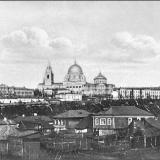 Знаменский монастырь и Дворянское собрание. Вид из-за реки от 1-го моста ж.-д. ветки