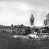 Вид на Дворянское собрание и Знаменский монастырь