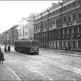Трамвай на улице Ленина в сторону Красной площади. 1952 г.