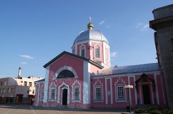 В данном храме крестили С. Саровского