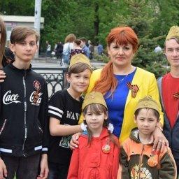 Женщина-почтальон из Курска одна воспитывает шестерых детей