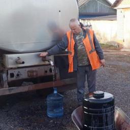 Жителям села под Железногорском перестали привозить воду из-за пандемии коронавируса