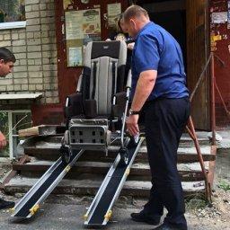 Курск: в доме, где живет ребенок-инвалид, установили переносной пандус