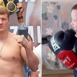 Александр Поветкин подарил свои боксерские перчатки 6-летнему курянину