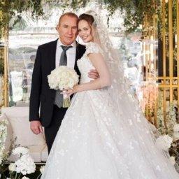 Жена курского бизнесмена Грешилова ответила на претензии к стоимости свадьбы