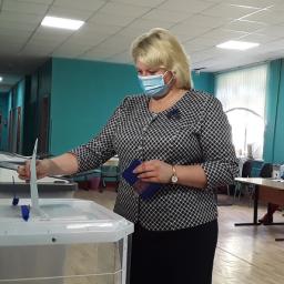 В Курске проголосовала суперфиналистка конкурса «Лидеры России»